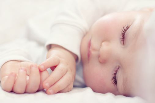 Are there Specific times of day my child should be sleeping? YES!! Our Guide To Your Baby's Sleep Schedule